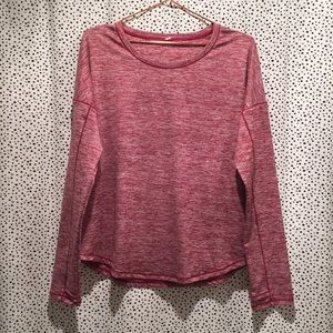 Lululemon long sleeve tee shirt thumb holes